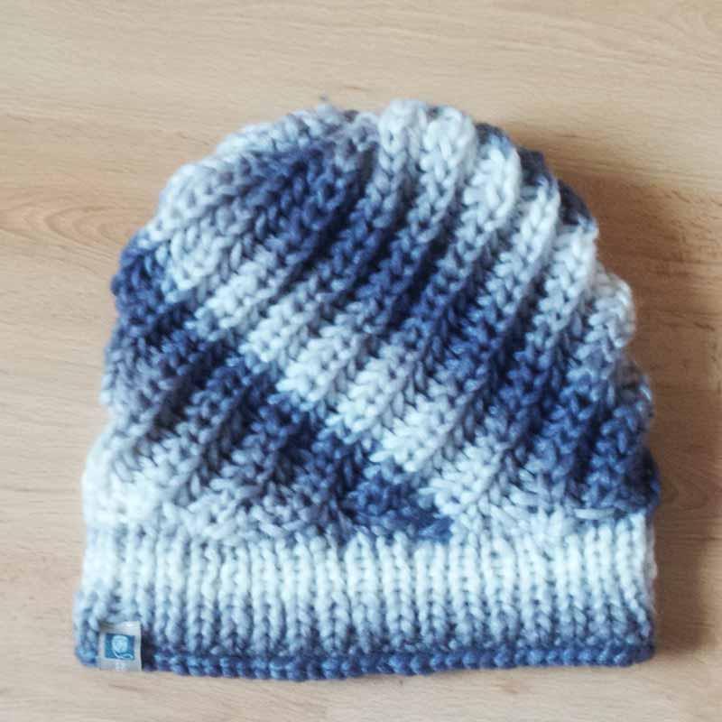 Warme Mütze mit diagonalem Strickmuster stricken - Neue Strickideen